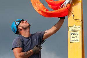 Aufbau einen Windkraftanlage im fränkischen Titting